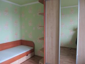 Односпальная кровать и шкаф купе под заказ г. Белая Церковь