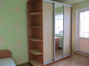 Односпальная кровать и шкаф купе г. Белая Церковь