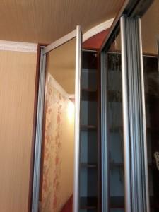 шкаф купе зеркальный угловой на заказ в Белой Церкви